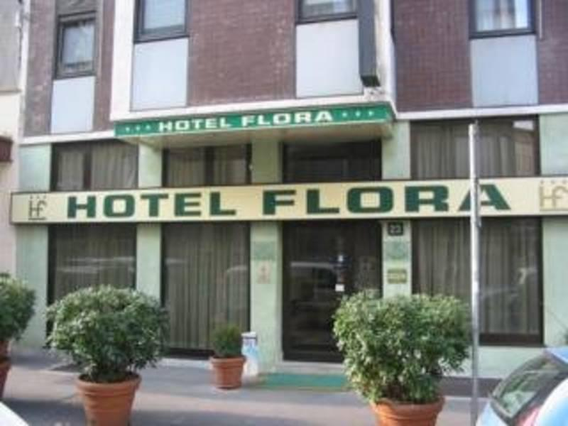 Holidays at Flora Hotel in Milan, Italy