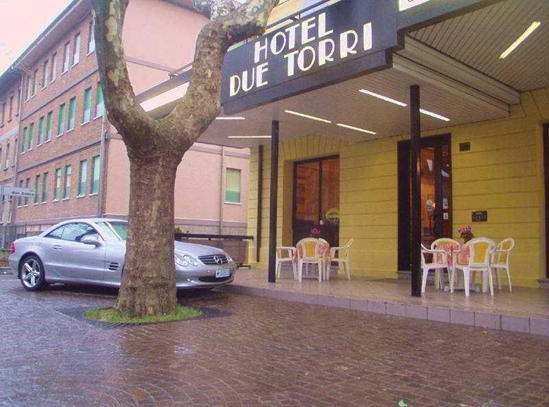 Holidays at Due Torri Hotel in Rimini, Italy