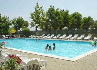 Holidays at La Gioiosa Hotel in Rimini, Italy