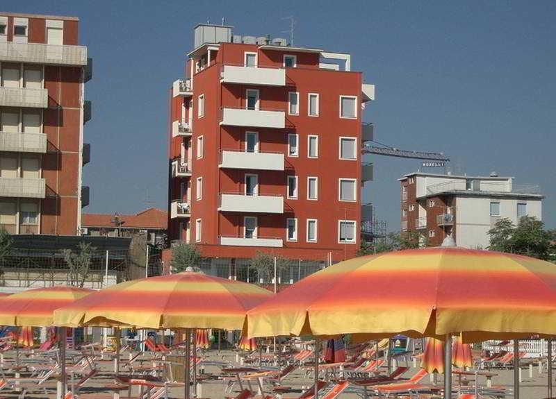 Holidays at Pacesetter Hotel in Rimini, Italy