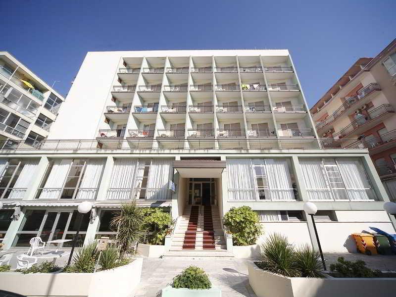 Holidays at Telstar Hotel in Rimini, Italy