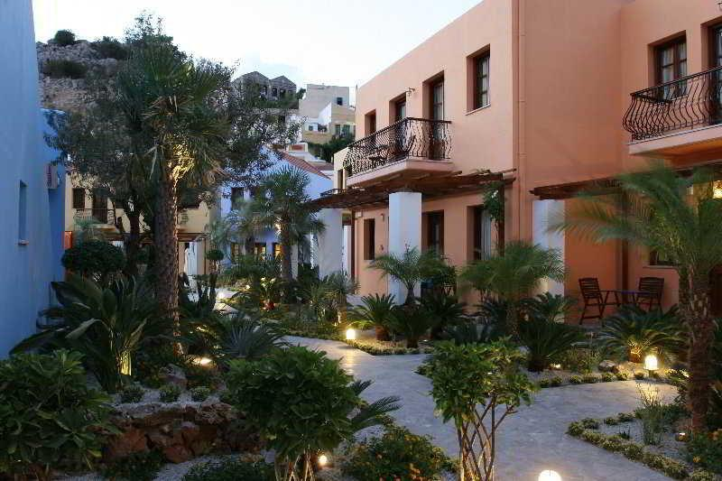 Iapetos Village Hotel