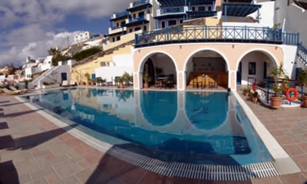 Holidays at Belvedere Suites Santorini in Firostefani, Santorini
