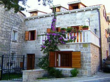 Holidays at Guesthouse Villa Kameni Cvit in Split, Croatia