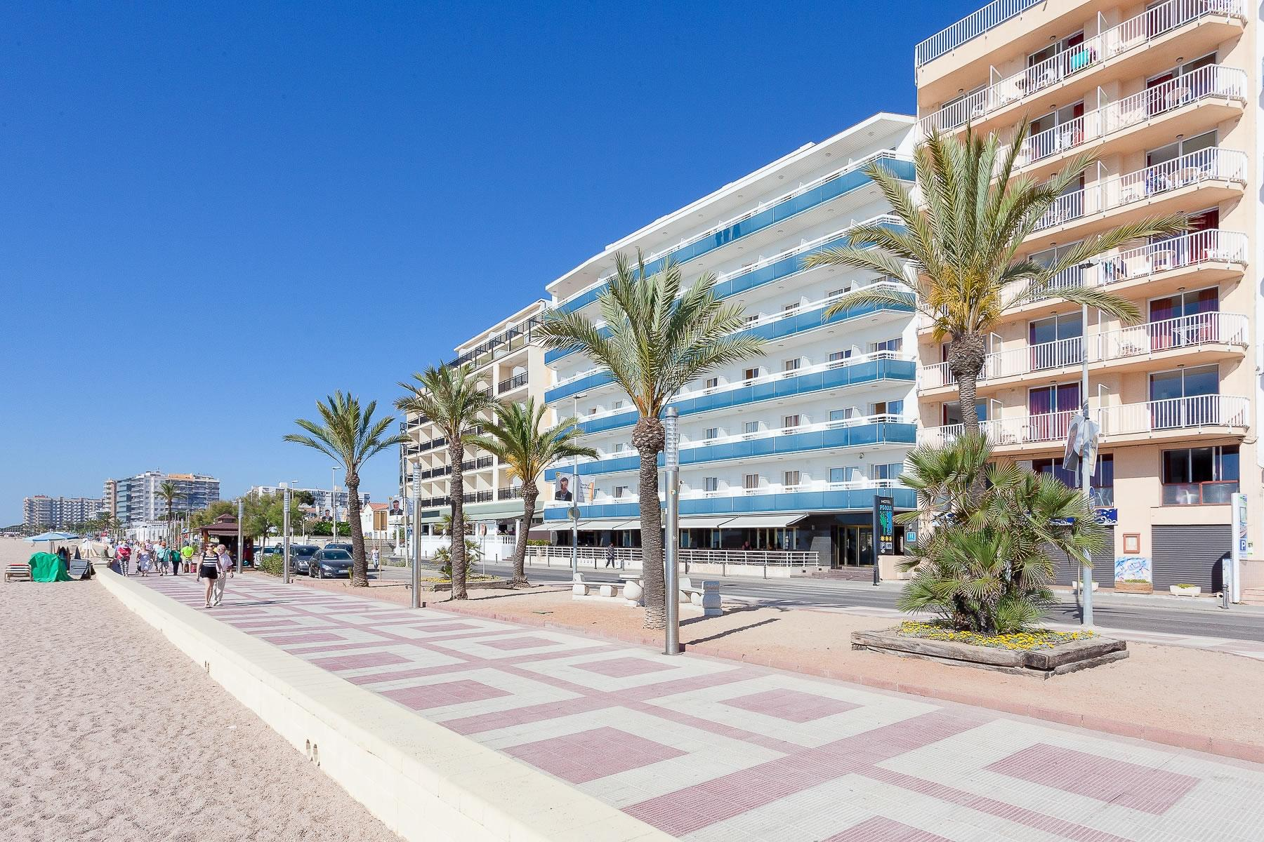 Pi-mar Hotel, Blanes, Costa Brava, Spain. Book Pi-mar ...