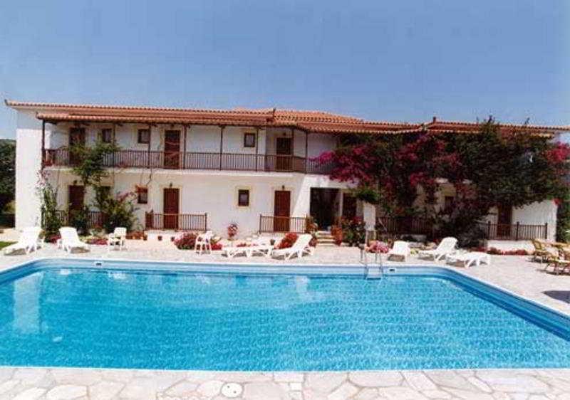 Holidays at Marigoula Studios Hotel in Skopelos Town, Skopelos