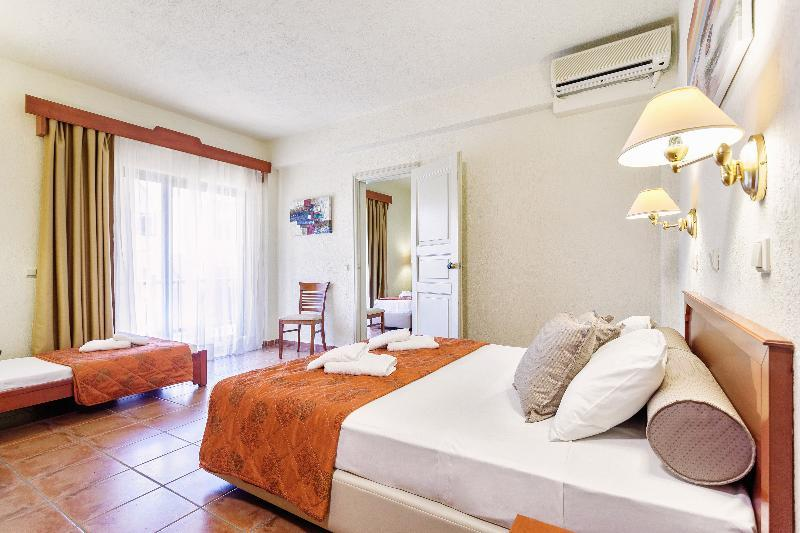 Rigas Hotel, Skopelos Town, Skopelos, Greece. Book Rigas Hotel online