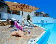 Holidays at Kouros Studios and Apartments Hotel in Stelida, Naxos Island