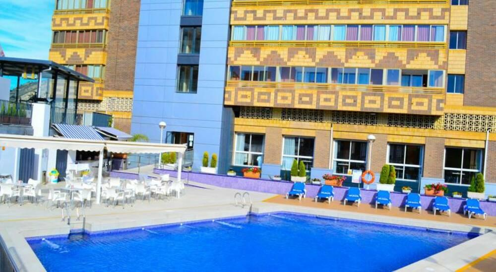 Holidays at Maya Hotel in Alicante, Costa Blanca