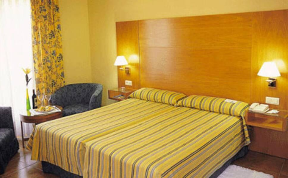 Tryp Ciudad De Alicante Hotel Safe Box In Room