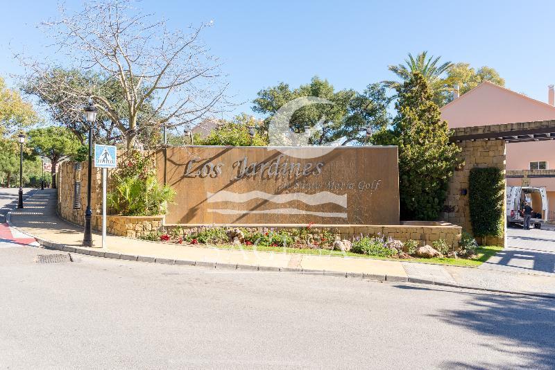 Los jardines de santa maria golf marbella costa del sol for Los jardines de sansuena