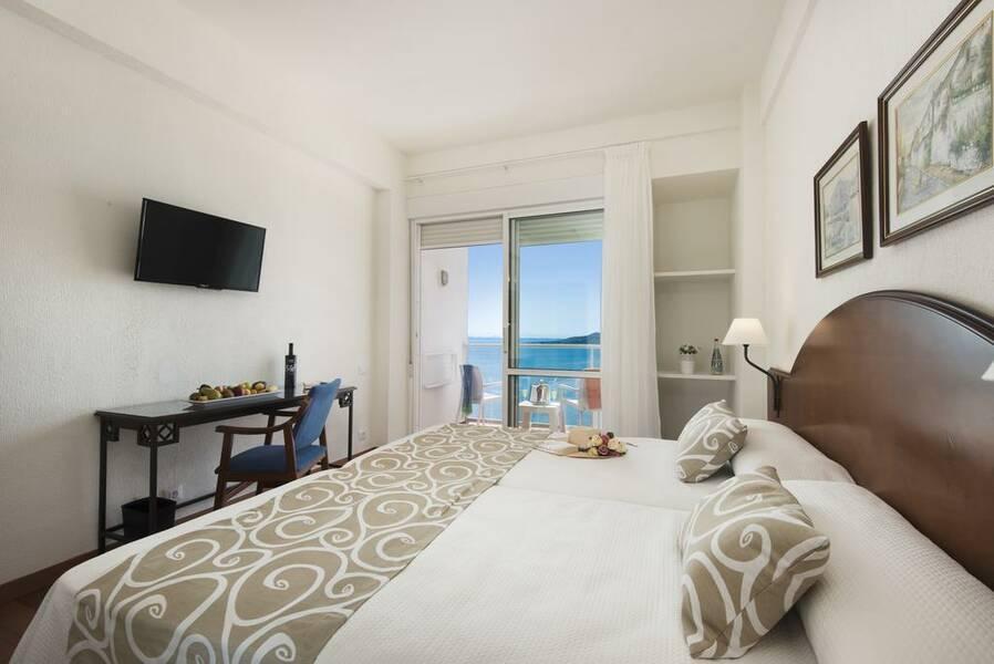 Roc Doblemar Hotel  La Manga  Costa Calida  Spain  Book