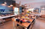 Castavi Apartments Picture 31