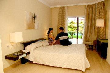 Suites Duquesa Golf Hotel