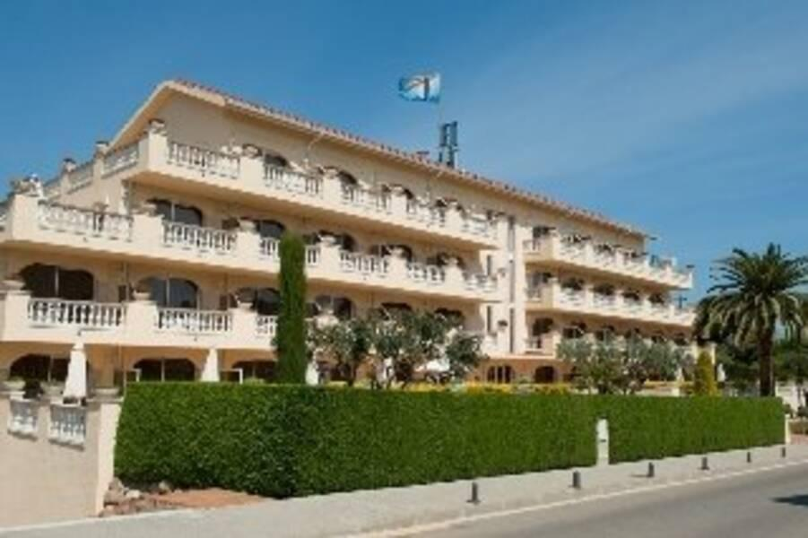 Holidays at Van der Valk Hotel Barcarola in SAgaro, Costa Brava