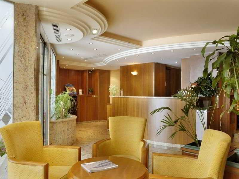 Massenet Hotel