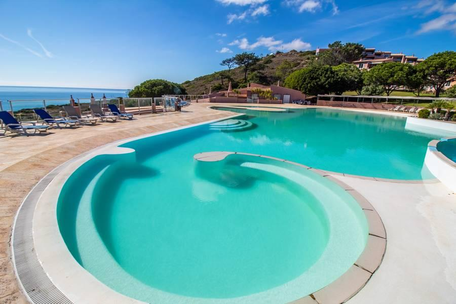 Holidays at Porto Dona Maria Resort Hotel in Praia da Luz, Algarve