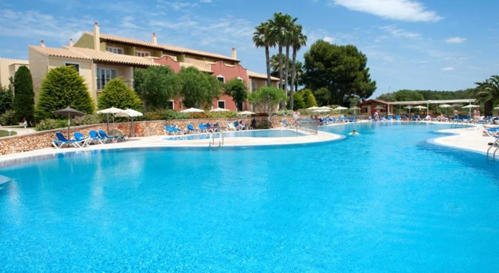 Holidays at Grupotel Playa Club Aparthotel in Cala'n Bosch, Menorca