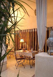 Dar Lholoum Hotel