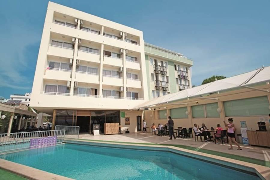 Holidays at Tuntas Beach Hotel in Altinkum, Bodrum Region