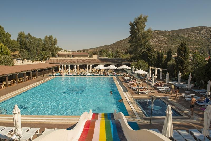 Holidays at Pigale Beach Resort in Kusadasi, Bodrum Region