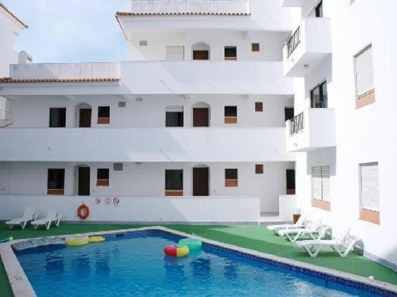 Holidays at Neptuno Apartments in Albufeira, Algarve