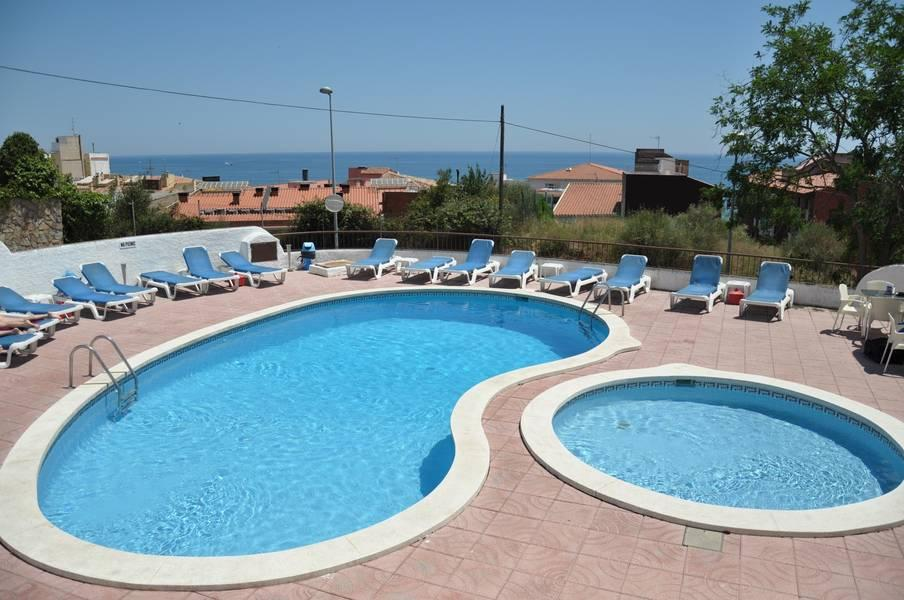 Holidays at AR Muntanya Apartments in Blanes, Costa Brava