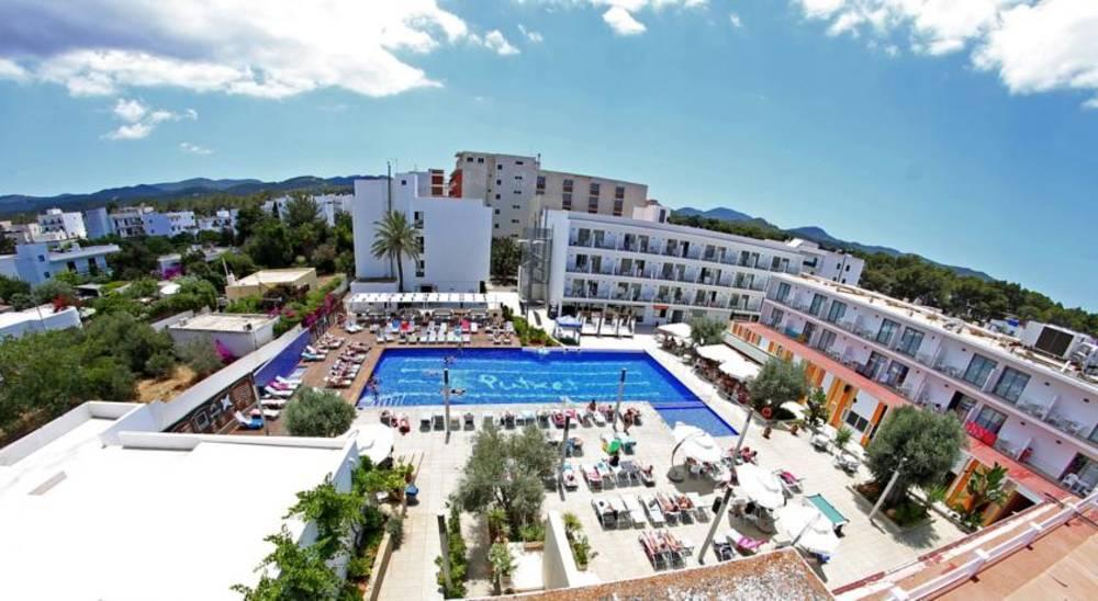 Holidays at Puchet Hotel in San Antonio Bay, Ibiza