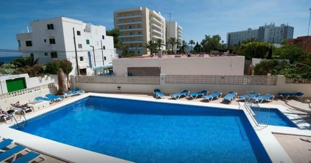 Holidays at Poseidon II Apartments in Playa d'en Bossa, Ibiza