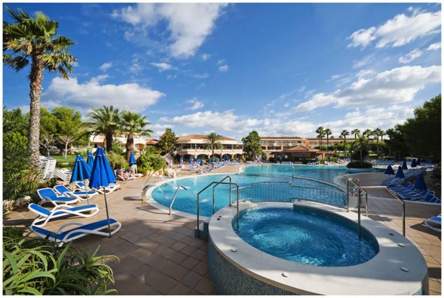 Holidays at Princesa Playa Hotel and Apartments in Cala'n Bosch, Menorca