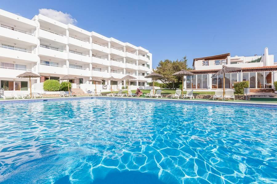 Holidays at Torrent Bay Club in San Antonio Bay, Ibiza
