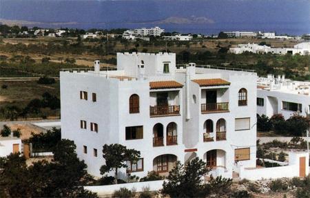 Holidays at La Pampa Apartments in San Antonio Bay, Ibiza