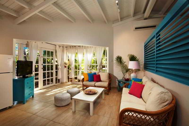 Boardwalk boutique hotel aruba aruba aruba book for Small luxury beach hotels