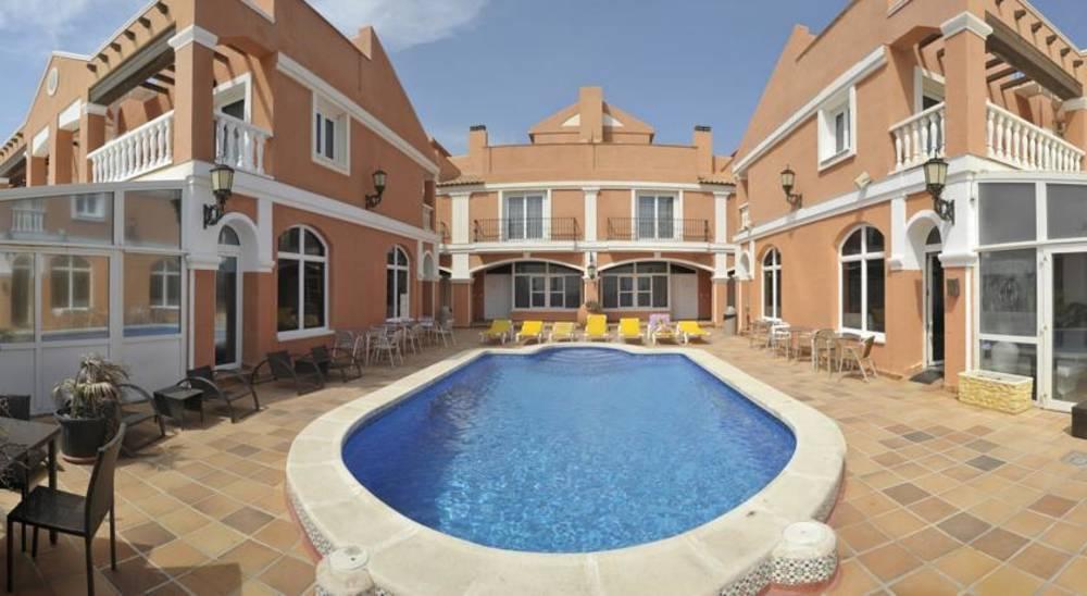 Holidays at Lloyds Beach Club Hotel in Torrevieja, Costa Blanca