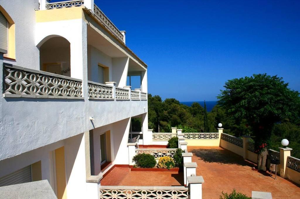 Holidays at Famara Apartments in Lloret de Mar, Costa Brava