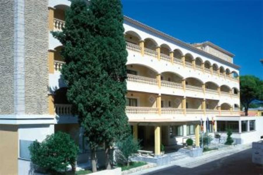 Holidays at Baviera Hotel in Cala Ratjada, Majorca