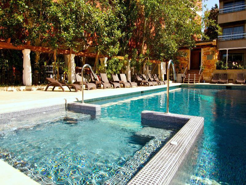 Holidays at Ipanema Beach Hotel in El Arenal, Majorca