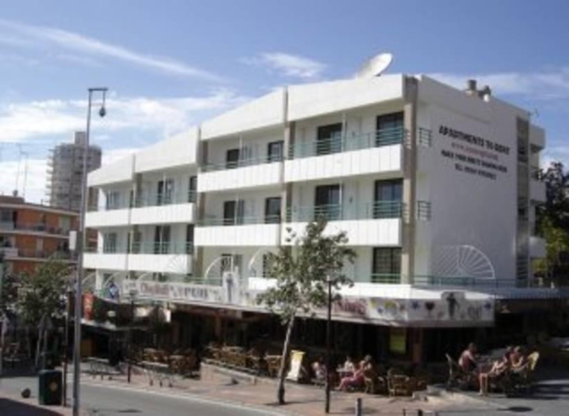 Holidays at Coconut Apartment Studios in Magaluf, Majorca