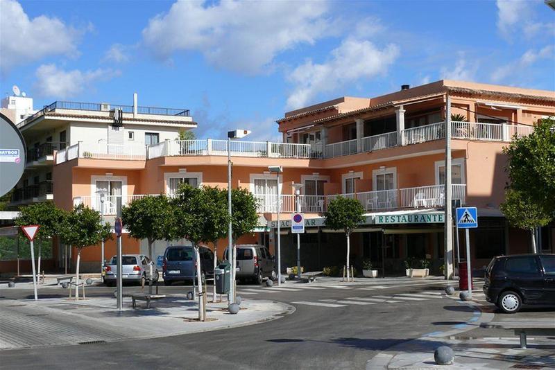 Holidays at Jakiton Hostal in Magaluf, Majorca