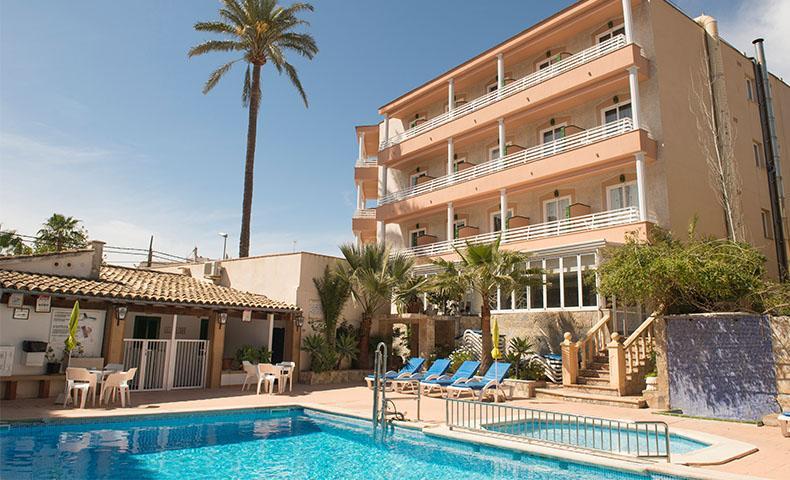 Holidays at Venecia Hotel in Paguera, Majorca