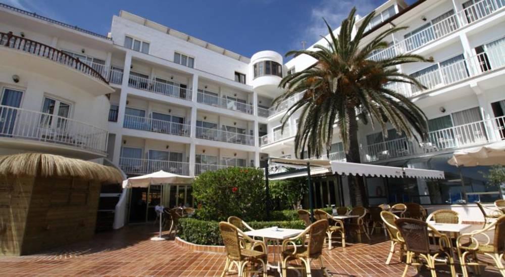Holidays at Club S'Illot Hotel in S'Illot, Majorca
