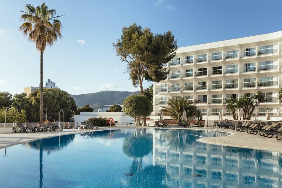 Holidays at Aluasun Torrenova Hotel in Palma Nova, Majorca