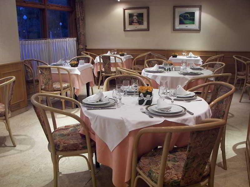 Dona Lola Hotel