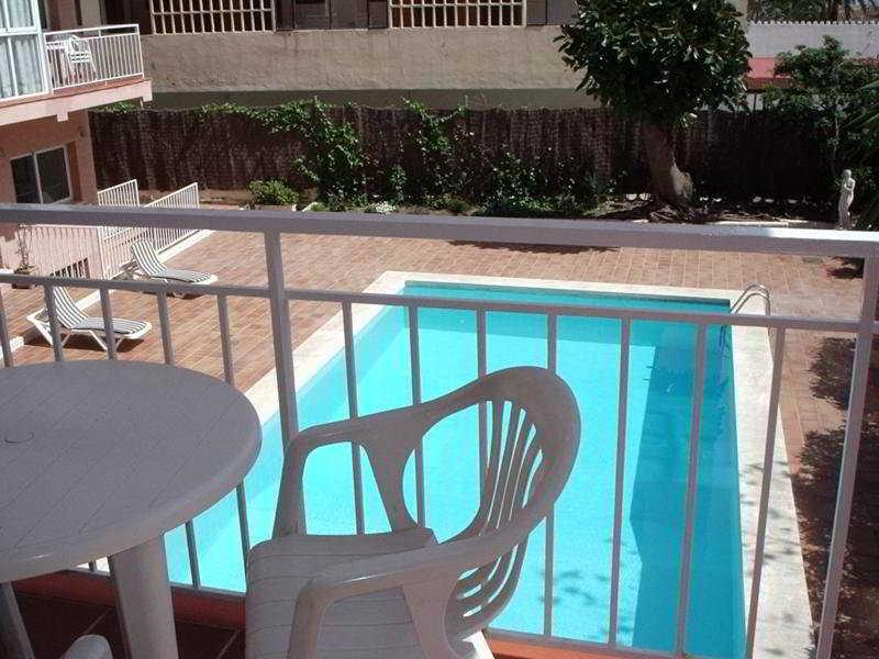 Holidays at El Velero Apartments in Torremolinos, Costa del Sol