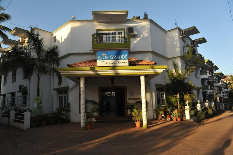 Holidays at Alor Grande Holiday Resort in Candolim, India