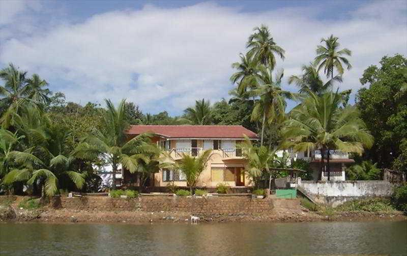 Holidays at Britona Riverside Retreat Hotel in Goa, India