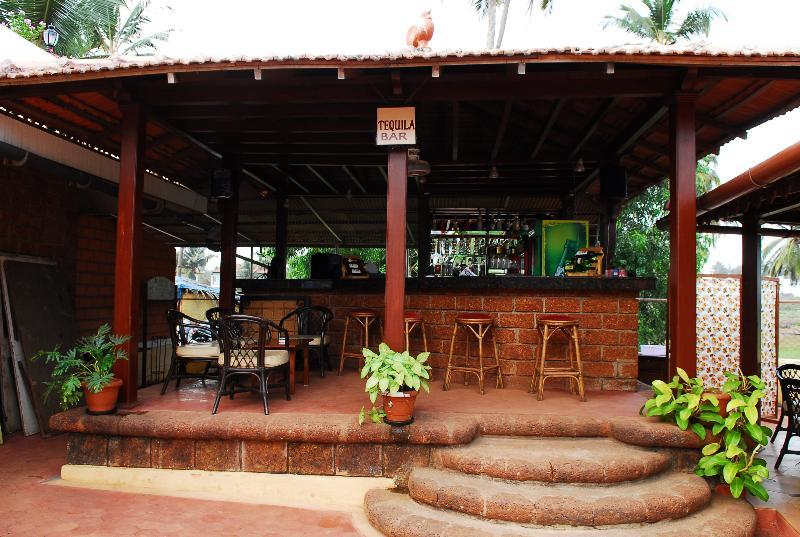Holidays at Coconut Grove Hotel in Betalbatim, India