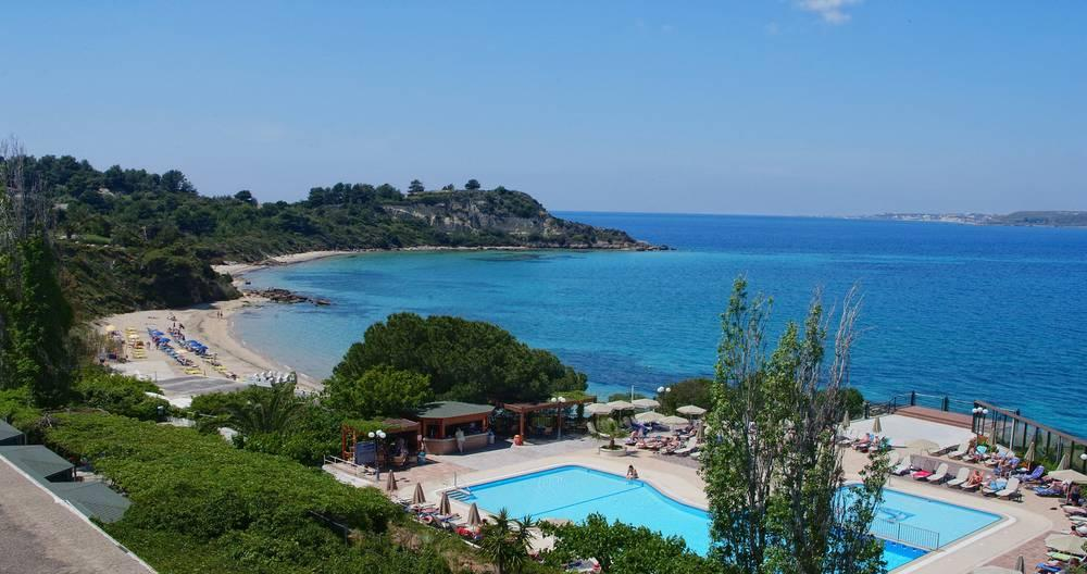 Holidays at Mediterranee Hotel in Lassi, Kefalonia