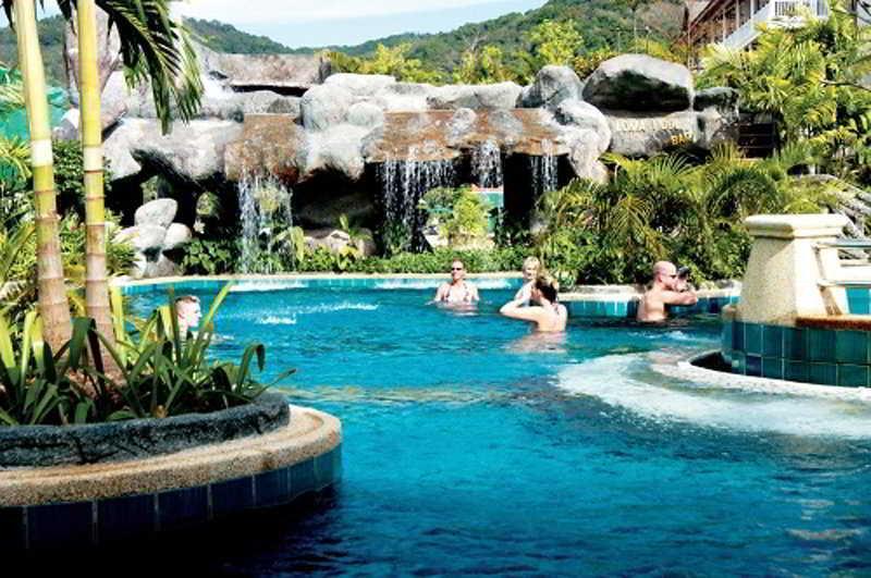 Holidays at Baan Karonburi Hotel in Phuket Karon Beach, Phuket