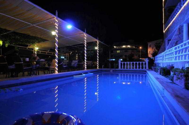 Holidays at Kusmez Hotel in Altinkum, Bodrum Region